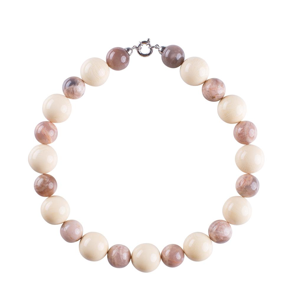 collana pietra rosa